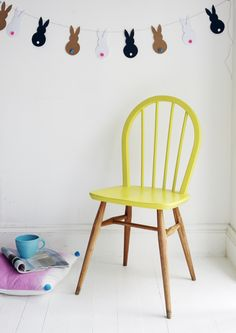 Dip-dye Ercol wooden chair painted in yellow - Loycehpo Wooden Chair Makeover, Dining Chair Makeover, Kitchen Table Makeover, Furniture Makeover, Painted Dining Chairs, Fabric Dining Chairs, Painted Furniture, Wooden Chairs, Yellow Dining Room