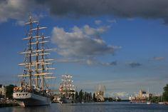 """""""Dar Mlodziezy"""", Poland and """"Cuauhtemoc"""", Mexico,  during the Tall Ships' Races 2007 Szczecin, 4-7.08.2007. The big sail-ships - Szczecin, Zachodniopomorskie"""