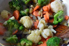 Tarta cu legume - CAIETUL CU RETETE Broccoli, Cauliflower, Vegetables, Food, Pie, Cauliflowers, Essen, Vegetable Recipes, Meals