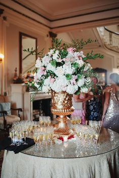 Gatsby inspired wedding flower urn: http://www.stylemepretty.com/little-black-book-blog/2016/08/24/glamorous-traditional-long-island-summer-wedding/ Photography: Ciro - http://cirophotography.com/