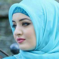 Meet the world's most beautiful girl, must see her pics Beautiful Muslim Women, Beautiful Hijab, Beautiful Eyes, World Most Beautiful Girl, Beautiful Girl Image, Arabian Beauty Women, Indian Beauty, Hijabi Girl, Girl Hijab