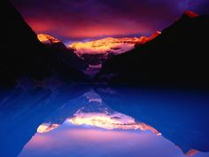 GEOGRAPHY - Lake Louise Proves Canada Is Beautiful - 2011
