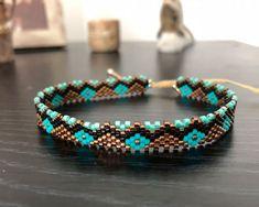Loom Bracelet Patterns, Peyote Stitch Patterns, Loom Bracelets, Bangles, Harry Potter Planner, Peyote Beading, Bead Earrings, Seed Beads, Turquoise Bracelet