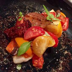 Nouveau billet sur le blog ! Je vous propose de découvrir l'incroyable cuisine du chef @seminararocco au Pit Stop bar & lounge signé @ferrari et @montecarlosbm ! Lien direct dans ma bio ! #monaco #montecarlo #montecarlosbm #pitstop #principautedemonaco #food #ferrari #gastronomie #italianfood #jimmys #formule1 #igersmonaco #instamonaco #experience #summer #red