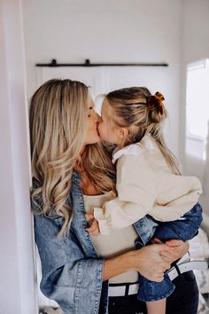 Mother Daughter Pictures, Mom Pictures, Children Photography, Family Photography, Toddler Girl, Baby Kids, Cute Baby Wallpaper, Barefoot Blonde, Teen Mom