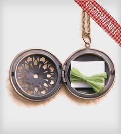 Custom Note Brass Locket Necklace gorge