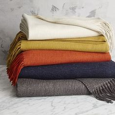 west elm's sofa and bed throws are soft, warm, and cozy. Find throws that feature stylish and simple textures and create a comfortable space. Venice House, Casual Bedroom, Modern Loft, Sofa Throw, Throw Blankets, Bed Throws, Decorative Throws, Living Room Inspiration
