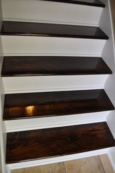 Staircase Remodel Totally going to do this. Plan on ripping carpet and doing the real deal anyway so if this works and saves me a boat load of money....bonus!!