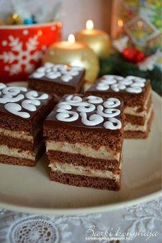 Barbi konyhája: Mézes gesztenyés krémes Hungarian Cuisine, Hungarian Recipes, My Recipes, Cooking Recipes, Poppy Cake, Love Cake, Nutella, Main Dishes, Goodies