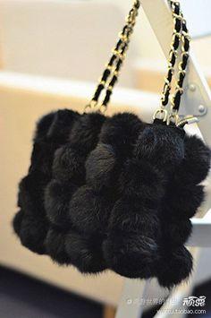 They used 2 call it my DOG purse. Fur Purse, Fur Bag, Beautiful Handbags, Beautiful Bags, Fur Accessories, Diy Handbag, Burberry Handbags, Fashion Bags, Fashion Handbags