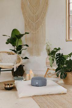 Yoga Dekor, Meditation Space, Sweet Home, Wellness, Living Room, Decor, Master Bathrooms, Homes, Decoration