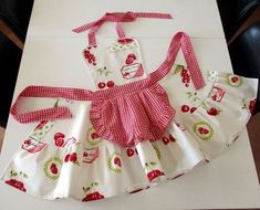 Gingham cherry aprons for women , Sweetheart plaid retro apron , Strawberry cute kitchen aprons , Cherries womens cooking waterproof apron - Delantales. Retro Apron, Aprons Vintage, Clothing Patterns, Dress Patterns, Apron Patterns, Plaid Apron, Custom Aprons, Cute Kitchen, Beautiful Kitchen