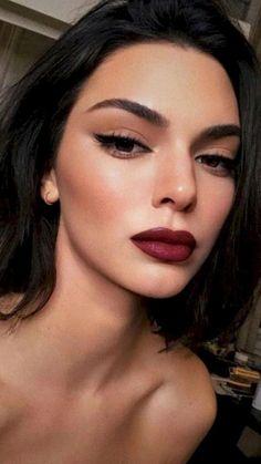 Red Lip Makeup, Cat Eye Makeup, Dark Makeup, Natural Eye Makeup, Natural Eyes, Natural Brown, Natural Prom Makeup For Brown Eyes, Eyeliner Makeup, Dramatic Makeup