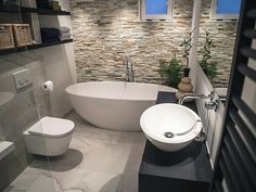 Large Bathrooms, Amazing Bathrooms, Interior Design Living Room, Interior Decorating, Design Case, Modern Bathroom Design, Luxury Homes, House Design, Halle
