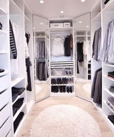 Below are the Closet Design Ideas For Your Home. This post about Closet Design Ideas For Your Home was posted … Walk In Closet Design, Bedroom Closet Design, Master Bedroom Closet, Closet Designs, Small Walk In Closet Ideas, Walk In Closet Inspiration, Dressing Room Closet, Dressing Room Design, Dressing Rooms
