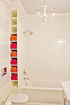 Mettez vos serviettes dans le mur