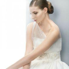Tendências #Noivas 2014 - Vestidos de uma alsa #JesusPeiró #casarcomgosto #tule