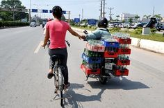 Dangerous circus shows on the road - News VietNamNet. #motorbike #motorcycle #vietnam #onlyinvietnam
