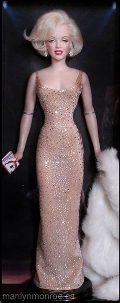 Marilyn Monroe Barbie amazing Perfect!