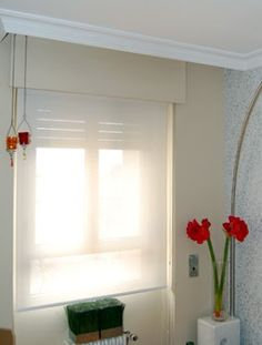 White screen... always perfect & now from 15€ http://www.homexpresion.com/outlet/66-estores-screen-baratos.html