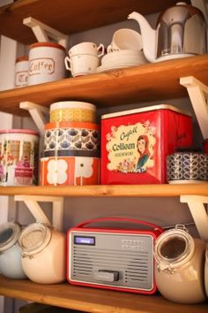 vintage tin collection things design pinterest d co. Black Bedroom Furniture Sets. Home Design Ideas