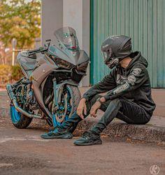 Yamaha R25, Ducati, My Dream, Dream Cars, Bike Photography, Cafe Racing, Light Background Images, Biker Gear, Motorbike Girl