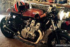 Yannis voleva presentare la sua Honda CB 750 Seven Fifty cafe-racer . Cafe Racer Honda, Cafe Racer Bikes, Cafe Racer Motorcycle, Honda Seven Fifty, Cb 750 Seven Fifty, Honda Cb750, Honda Motorcycles, Yamaha, Cb 600