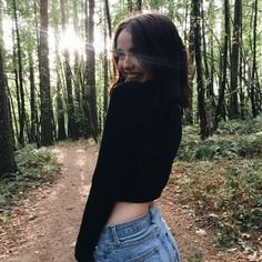 Acacia Brinley wearing Brandy Melville USA High-Rise Denim Shorts and Forever 21 Drop-Sleeve Cropped Sweater. Ig Girls, Tumblr Girls, Solo Photo, Best Photo Poses, Artsy Photos, Forest Photography, The Most Beautiful Girl, Fashion Pictures, Cute Pictures