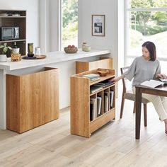 Useful caddies on wheels for cookbooks to make for the kitchen Small Apartment Design, Small Apartment Decorating, Interior Decorating, Deco Furniture, Furniture Design, Kitchen Interior, Kitchen Design, Home Room Design, Contemporary Interior Design