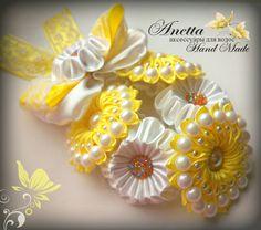 Diy Lace Ribbon Flowers, Ribbon Flower Tutorial, Cloth Flowers, Kanzashi Flowers, Plastic Flowers, Felt Flowers, Fabric Flowers, Diy Bow, Ribbon Work