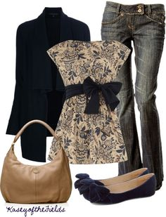 Casual Outfit--mostly like the incorporation of navy blue in the top and the shoes. That really pulls the outfit together Mode Outfits, Fall Outfits, Casual Outfits, Fashion Outfits, Woman Outfits, Fashion Heels, Simple Outfits, Classy Outfits, Fashion Clothes