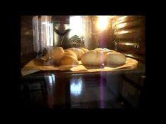 Pan Brioche che cucina nel forno
