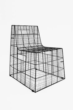 Wired Jaw Chair