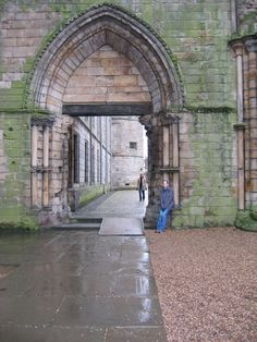 Holyrood Abbey  (Photo Credit to Derek Schmidt 2004)