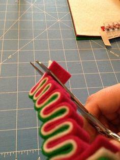 Christmas Ribbon Crafts, Christmas Craft Fair, Fabric Christmas Ornaments, Candy Christmas Decorations, Christmas Sewing, Christmas Candy, Homemade Christmas, Holiday Crafts, Lollipop Decorations