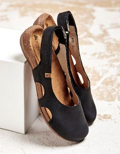 Beef Tendon Hollow Out Suede Comfy Sandals – Fashionshoeshouse Closed Toe Sandals, Low Heel Sandals, Cute Sandals, Sandals For Sale, Slingback Sandal, Ankle Strap Sandals, Strap Heels, Low Heels, Black Sandals