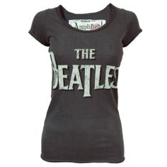 Cute vintage T-Shirt which could be worn with some bright shorts! Slightly shaped but not too tight, looks very comfortable!