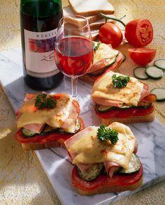 Gemüse-Käsetoast #hochland #käse #rezept #toast #recipe  #snack #cheese