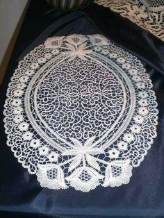 Needle Lace, Bobbin Lace, Romanian Lace, Point Lace, All Craft, Lace Making, Graphic Design Art, Irish Crochet, Needlework