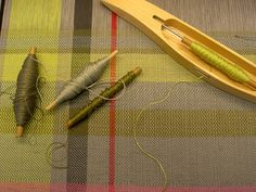 Greys, greens and fuchsia - 8/2 cotton warp, 16/2 linen weft. By Wynja on flickr.