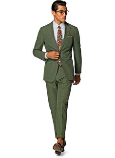 Suitsupply Suits: Soft-shoulders, great construction with a slim fit—our tailored, washed and formal suits are ideal for any situation. Green Suit Men, Olive Green Suit, Sharp Dressed Man, Well Dressed Men, Dress Suits, Men Dress, Suit Supply, Linen Suit, Formal Suits