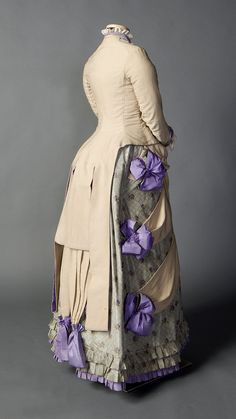 Tumblr Day Dress 1882-85 Smith College Historic Costume Collection