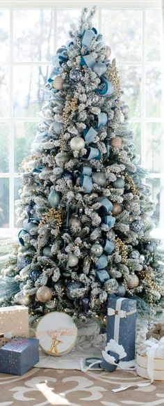 Top 30 Amazing Christmas Tree Designs You Can't Miss Out Rose gold and bush pink flocked Christmas tree; Blue and white Christmas Tree; White Flocked Christmas Tree with Velvet Ribbon; Teal and white Christmas tree. White Christmas Tree Decorations, Frosted Christmas Tree, Blue Christmas Decor, Silver Christmas Tree, Christmas Tree Design, Beautiful Christmas Trees, Noel Christmas, Xmas Tree, Christmas Cactus