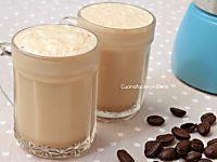 La crema di caffè è una golosa crema al caffè fresca perfetta da gustare in qualsiasi occasione. Prepararla in casa è semplicissimo, seguite la mia ricetta! Mini Desserts, Delicious Desserts, Dessert Recipes, Yummy Food, Cooking Chef, Cooking Time, Kenwood Cooking, Smoothie Drinks, Smoothies