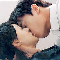 Love 020 // Just One Smile is Very Alluring Romantic Kiss Gif, Kiss And Romance, A Love So Beautiful, Cute Love, Yang Yang Actor, Korean Drama Romance, Cute Couples Kissing, Asian Love, Korean Couple