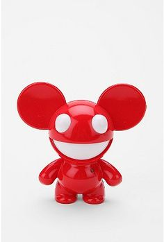 Dead mau5 speaker.  Love the form of the mouse and the happy smile.  Also love the beat of this music