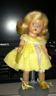 Vintage Vogue Ginny Early PE Strung Doll   Adorable!!