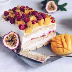 You won't even need to turn the oven on, so this Mango and Raspberry Tiramisu is the perfect dessert for a hot Aussie Christmas. Xmas Food, Christmas Cooking, Christmas Desserts, Just Desserts, Delicious Desserts, Dessert Recipes, Cake Recipes, Raspberry Tiramisu, Raspberry Cheesecake
