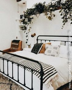 8 Self-Reliant Tips AND Tricks: Minimalist Bedroom Design Natural modern minimalist living room apartment.Minimalist Home Closet Decor minimalist home tips decoration.Minimalist Bedroom Tips Clothes. Dream Rooms, Dream Bedroom, Home Bedroom, Linen Bedroom, Bed Linen, White Wall Bedroom, White Bedrooms, Bedroom Black, Tribal Bedroom