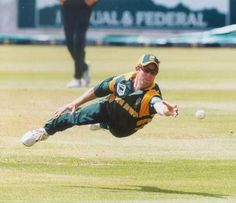 Is this a bird? Is this an airplane? Oh no! It's Jonty Rhodes. The flying cricketer.